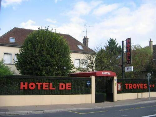 Hotel de troyes compare deals for Hotels troyes
