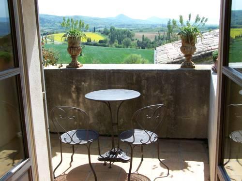 La treille muscate hotel cliousclat compare deals - Restaurant cliousclat la treille muscate ...