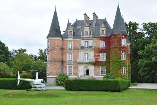 chateau d 39 apigne rennes le rheu compare deals. Black Bedroom Furniture Sets. Home Design Ideas