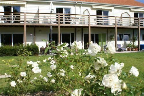 Les jardins d 39 ulysse cucq compare deals for Le jardin le touquet