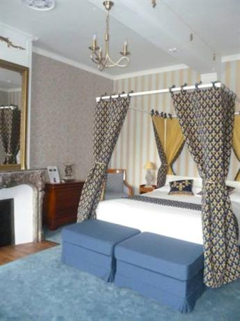 Hotel restaurant la chaine d 39 or les andelys compare deals for Chaine hotel