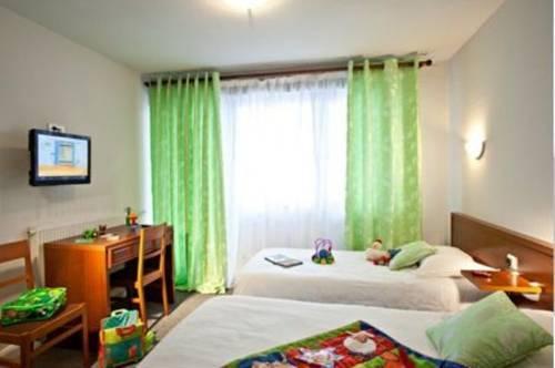 auberge de la croix blanche beaurepaire en bresse comparez les offres. Black Bedroom Furniture Sets. Home Design Ideas