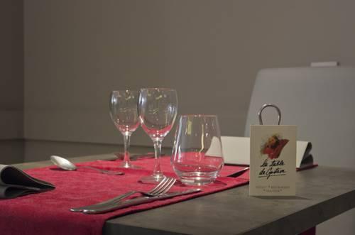 La Table De Gustave Ornans Compare Deals