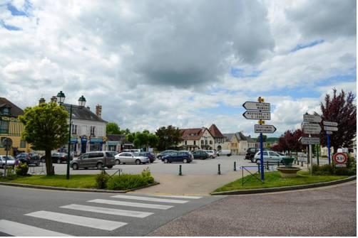 Hotel de la Poste Le Mele-sur-Sarthe