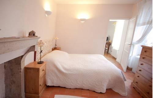 chambre d 39 hotes en charmois nuits saint georges confronta le offerte. Black Bedroom Furniture Sets. Home Design Ideas
