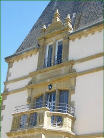 Chateau du Tout y Fault