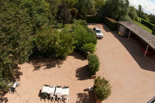Le jardin de la reyssouze gorrevod compare deals for Jardin quatre vents