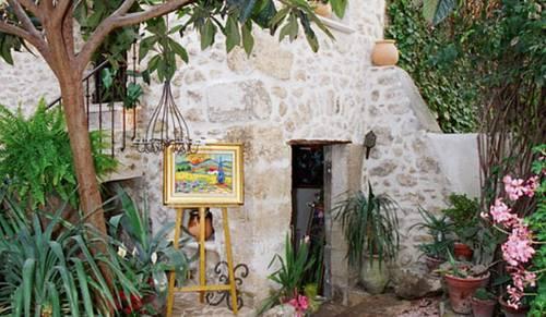 La maison du peintre en provence mallemort compare deals - La maison du peintre ...