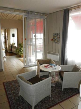 3b Hotel De Bordeaux