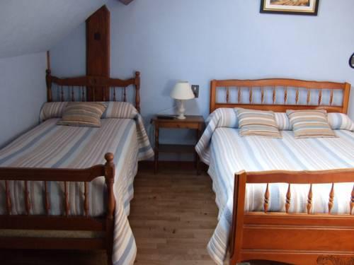 chambres d 39 hotes la borie blanque millau compare deals. Black Bedroom Furniture Sets. Home Design Ideas