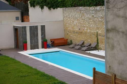 Le cheval noir argenton sur creuse argenton sur creuse for Argenton sur creuse piscine