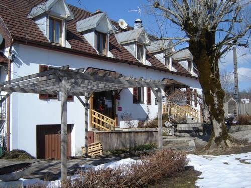 Le jardin de la riviere foncine le haut compare deals - Hotel le jardin de la riviere foncine le haut ...