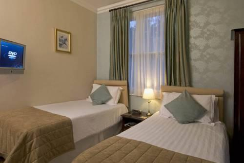 Hilden lodge hotel cheltenham charlton kings compare deals for Hilden hotel