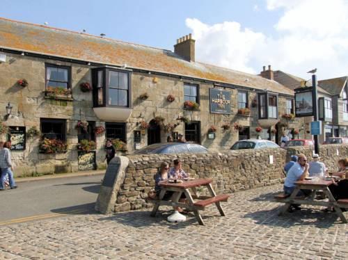 Porthleven Hotels Harbour Inn