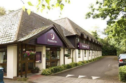 Premier Inn offers super low prices on weekends so that you can enjoy a weekend away without worrying too much about the money. You can place your order at the Premier Inn website, cristacarbo2wl55op.ga