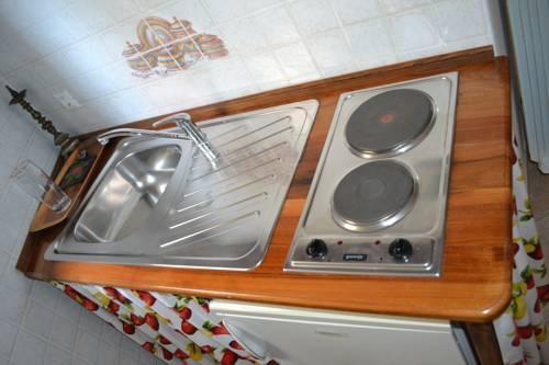 Apartments Vesna Hotel - room photo 2131136