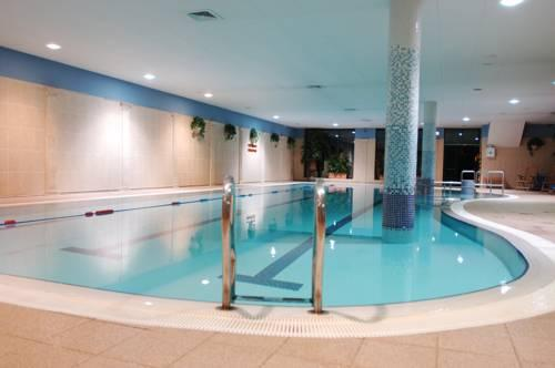 The Hibernian Hotel And Leisure Centre Mallow Compare Deals
