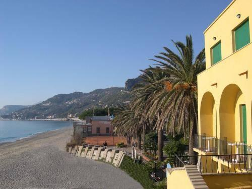 Find Hotel in Varigotti - Hotel deals and discounts   FindHotel