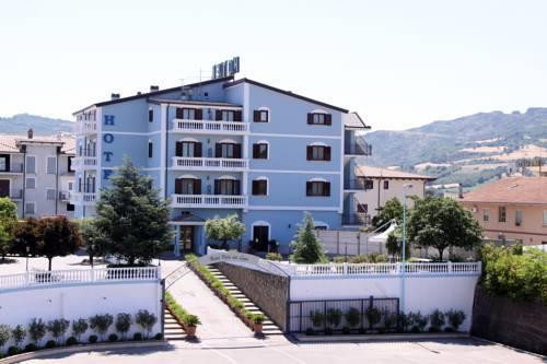 Hotel villa del lago senise compare deals for Hotel villa del lago