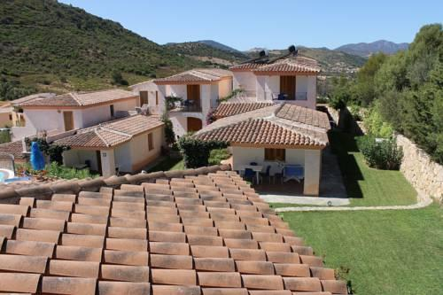 Residence bouganvillage budoni compare deals for Residence budoni