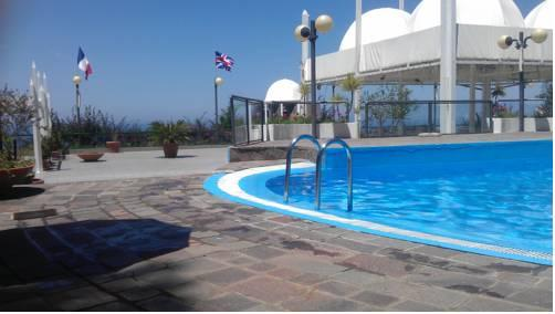 Le Terrazze Residence Apartments Agropoli - Compare Deals