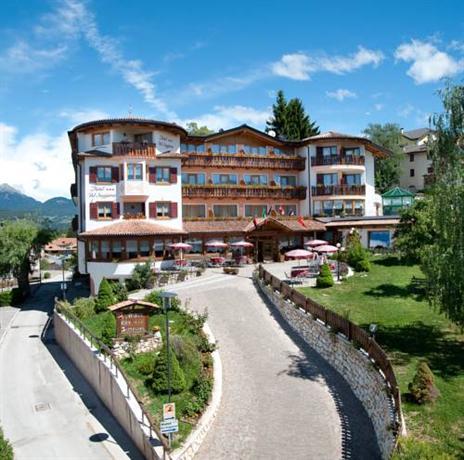 Blumen Hotel Bel Soggiorno, Malosco - Compare Deals