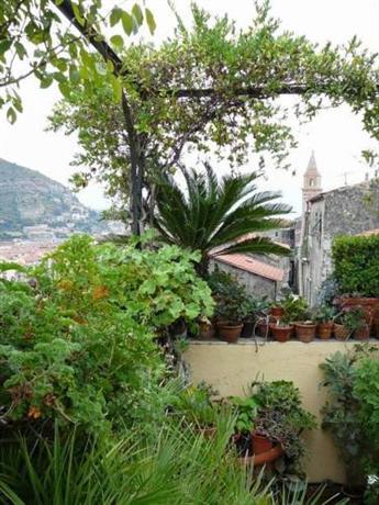 La Terrazza dei Pelargoni, Ventimiglia - Compare Deals