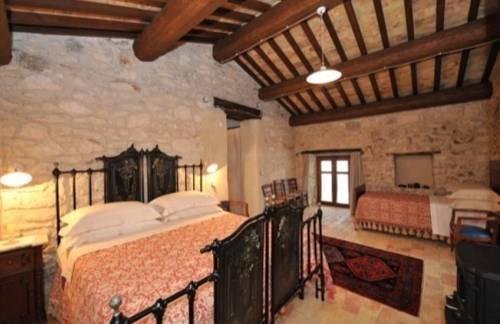 Country house case catalano abbateggio offerte in corso for Interni case moderne pietra