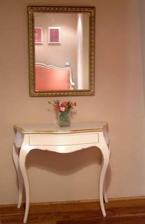 duchess boutique de charme florence compare deals. Black Bedroom Furniture Sets. Home Design Ideas