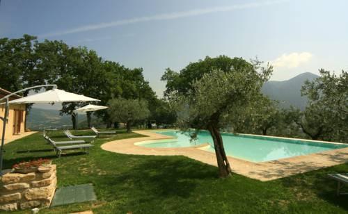 Agriturismo le vigne foligno compare deals - Agriturismo napoli con piscina ...