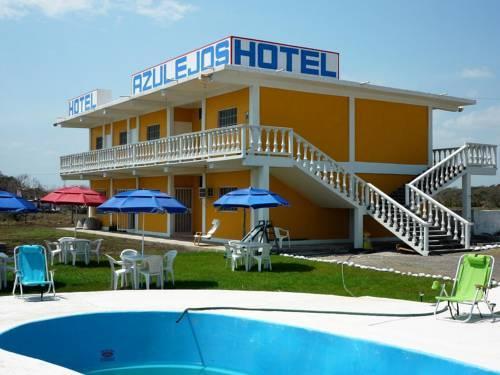 Hotel azulejos playa chachalacas for Hotel azulejos