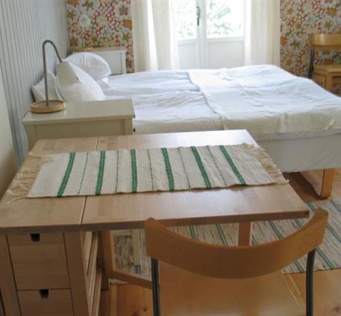 4 rum bed and breakfast stockholm compare deals. Black Bedroom Furniture Sets. Home Design Ideas
