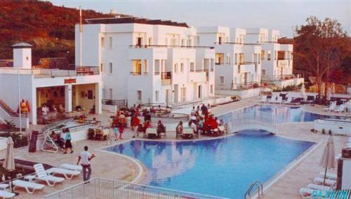 Club pedalisa apart hotel bodrum compare deals for Corse appart hotel