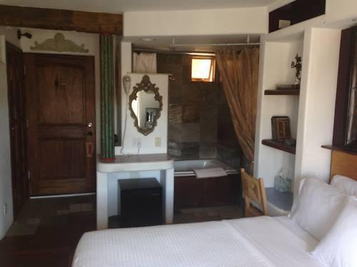 عن Secret Garden Inn Del Mar