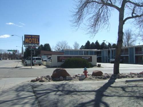Town house motor inn worland compare deals for Town house motor inn