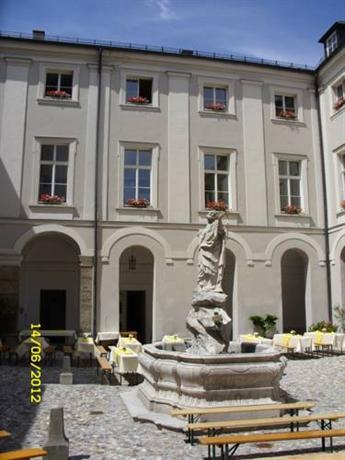 Gastehaus im Priesterseminar Salzburg