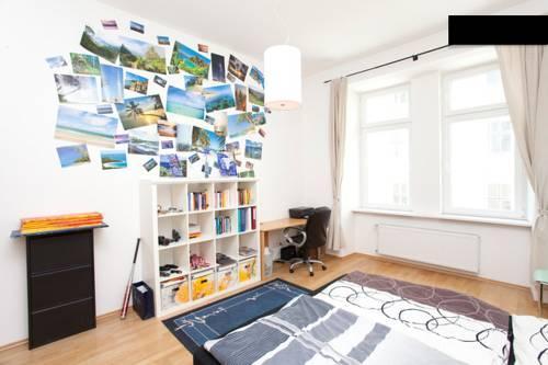 Designer apartment in city centre vienna compare deals for Designer apartment vienna