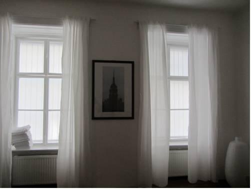 wohnen im herzen von wien vienna compare deals. Black Bedroom Furniture Sets. Home Design Ideas