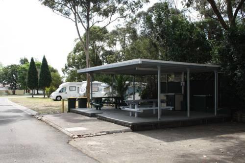 Bass Hill Tourist Park & Motel