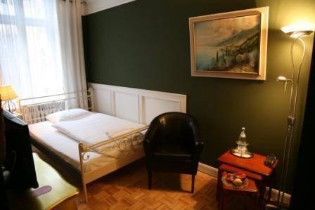 Hotel maison am olivaer platz berlin compare deals for Apartments maison am olivaer platz