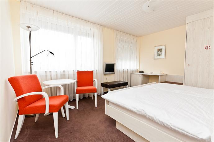 Hotel vetter nurtingen compare deals for Hotel vetter