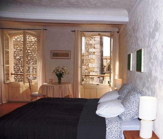 maison du midi lorgues comparez les offres. Black Bedroom Furniture Sets. Home Design Ideas