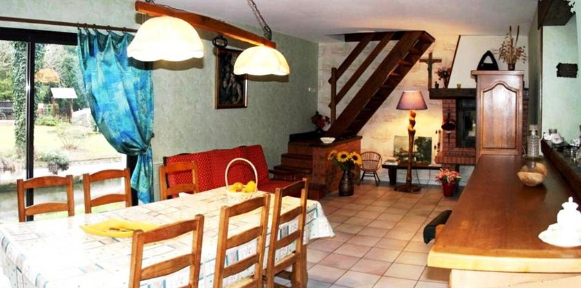 chambres d 39 hotes du vieux moulin compare deals. Black Bedroom Furniture Sets. Home Design Ideas