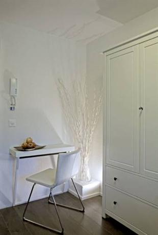 Casa heinrich guesthouse zurigo offerte in corso for Casa moderna zurigo