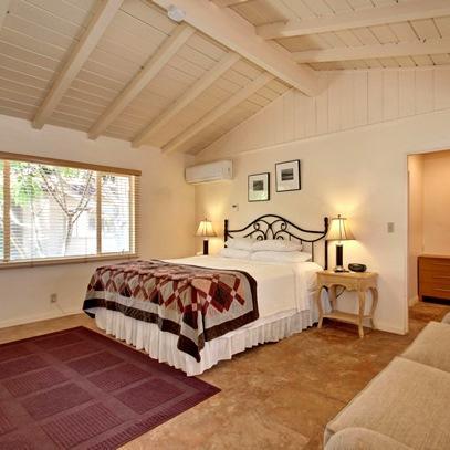 Warm Sands Villa Palm Springs pare Deals