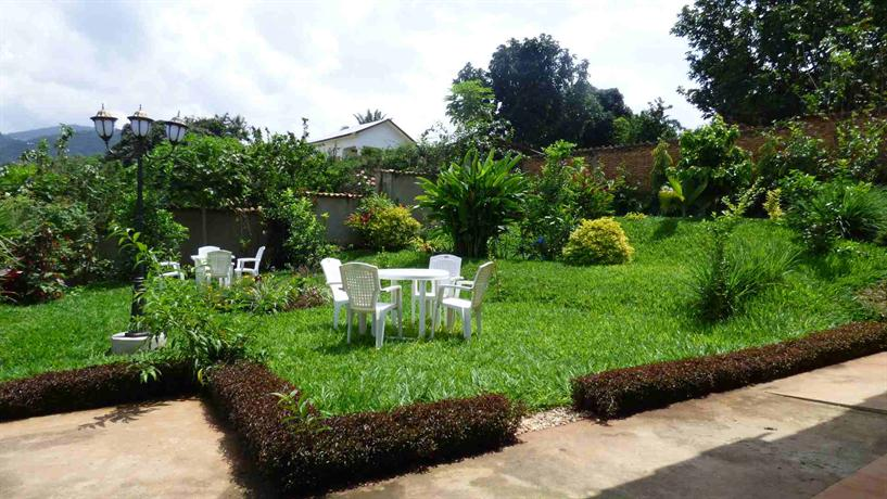 Aparthotel jardin tropical bujumbura compare deals for Jardin tropical