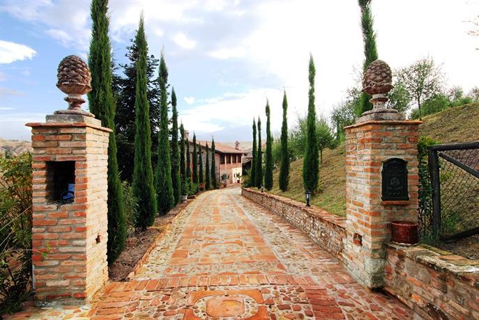 La buca castello di serravalle compare deals for Serravalle italy