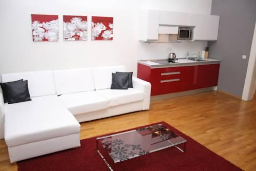 Myhouse apartments prague compare deals for Www myhouse com
