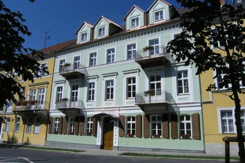 LD Palace