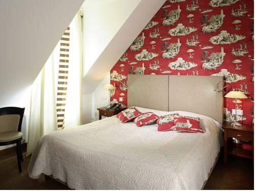 hotel goliath am dom regensburg compare deals. Black Bedroom Furniture Sets. Home Design Ideas